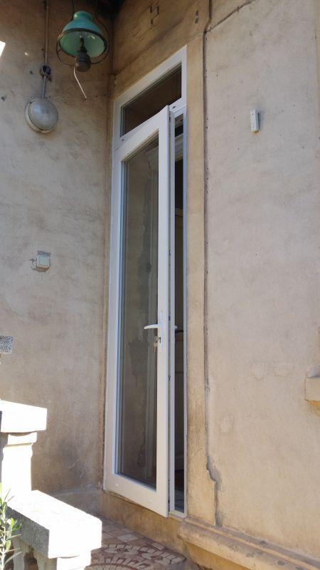 R novation d 39 une porte fen tre grande hauteur en pvc blanc marseille 13011 design fermetures - Hauteur d une porte ...