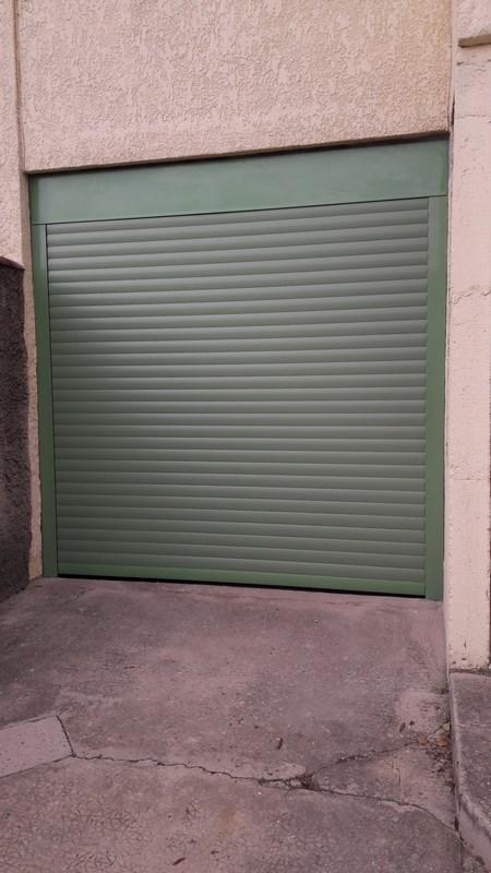 Installation d 39 une porte de garage enroulable marseille for Garage marseille 13013