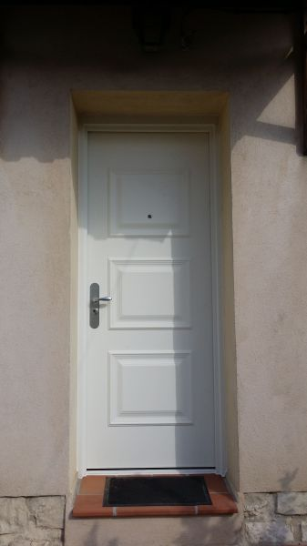 Installation de portes blind es de qualit sur aubagne for Installation porte blindee