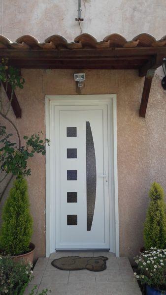 installation d 39 une porte d 39 entr e en pvc auriol 13390 pose de syst me d 39 alarme sur plan de. Black Bedroom Furniture Sets. Home Design Ideas